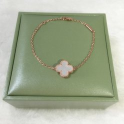 alhambra oro rosa replica van cleef & arpels white mother-of-pearl bracciale