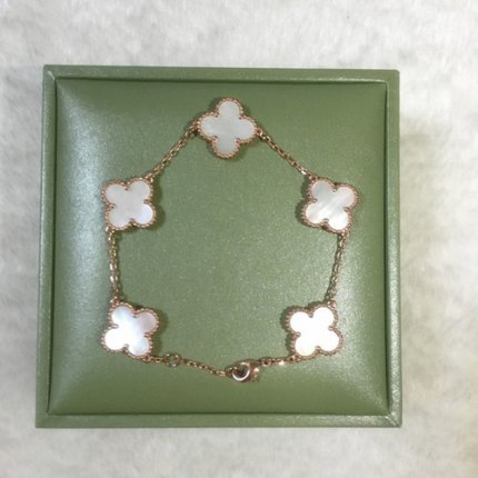 alhambra oro rosa falso van cleef & arpels white mother-of-pearl bracciale