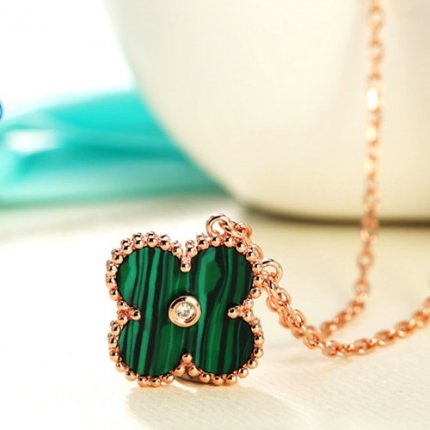 alhambra or rose replique van cleef & arpels malachite round diamond pendentif