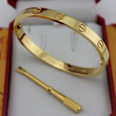 bracelet love cartier replique